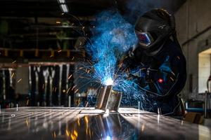 """<div class=""""bildtext"""">Der Betrieb Belle hat einen Namen für Handwerk mit industrieller Präzision und einer hohen Fertigungstiefe.</div>"""
