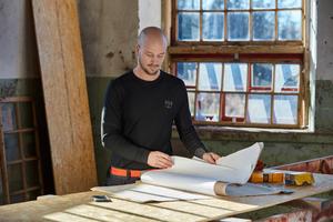"""<div class=""""quote"""">Helly Hansen ist eines der wenigen Unternehmen, das mit LIFA Active Crewneck und HH Lifa Active T-Shirt leichtgewichtige Basics mit Lichtschutzfaktor (50) anbietet. </div>"""