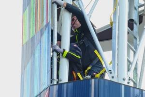 """<div class=""""bildtext"""">Stahl- und Metallbau Wimmer bei der Arbeit am Lincoln Tower.</div>"""