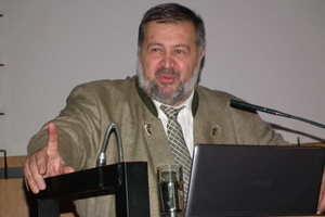 Wurde geehrt: Prof. Dr.-Ing. Ömer Bucak<br />
