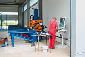 Die CNC-gesteuerte Bohranlage erwarb Tauschke 2006<br />