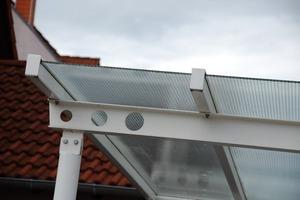 Bleibt bis zu 700 mm Spannweite als Horizontalverglasung zulässig: Drahtglas