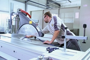 """<div class=""""bildtext"""">Auch wenn Personal knapp ist und das Arbeitspensum hoch, freitagnachmittags werden bei Bühlmann alle Maschinen gereinigt.</div>"""