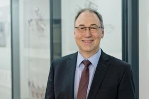 """<div class=""""bildtext"""">Volker Mann leitet bei Wilka das Produktmanagement Metallprogramm und Fluchttürsysteme.</div>"""