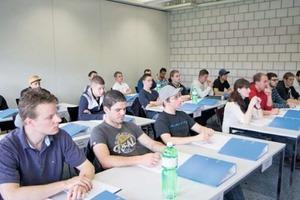 """<div class=""""bildtext"""">Erstmalig absolvieren am Bildungszentrum in Aarberg ca. 20 Metallbauer die Pilotklasse zur Vorbereitung auf die Berufsprüfung.</div>"""