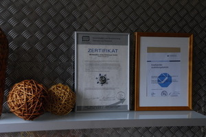 Nachweis: mit dem A/U/F-Zertifikat zeigen Metallbauer ihre Mithilfe zum geregelten Wertstoff-Kreislauf<br />