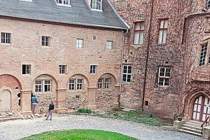"""<div class=""""bildtext"""">Projekt für den metallbau Lesertest war das Aufmaß der vier Rundbögen der Römhilder Glücksburg.</div>"""