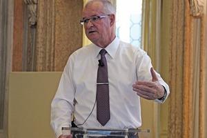 """<div class=""""bildtext"""">Roto Vorstandsvorsitzender Dr. Eckhard Keill.</div>"""