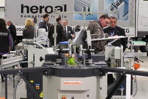 Mitten im neuen Logistic-zentrum von heroal präsentiert auch elumatc neue&nbsp;Maschinen<br />