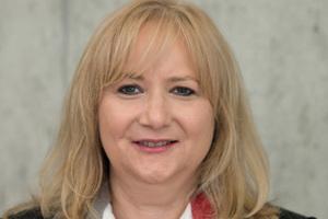 """<div class=""""bildtext"""">Ute Brunner-Bäurle, Bereichsleiterin der Überwachungs- und Zertifizierungsstelle beim Institut für Oberflächentechnik.</div>"""